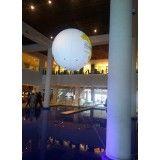 Achar empresas de balão de blimp na Floresta