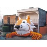 Tigre inflável na Colinas do Ermitage II